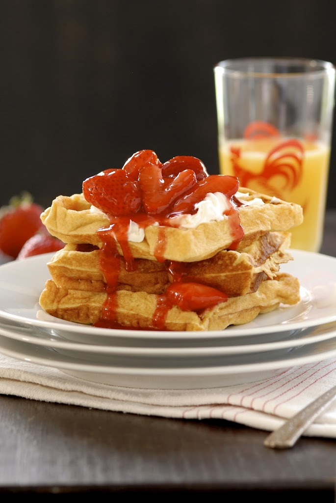 Gluten-Free Frito Waffles with Mascarpone and Warm Strawberry Compote | kumquatblog.com @kumquatblog recipe