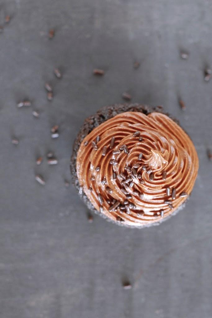 Gluten-Free Chocolate-Espresso Cupcakes   kumquatblog.com @kumquatblog recipe