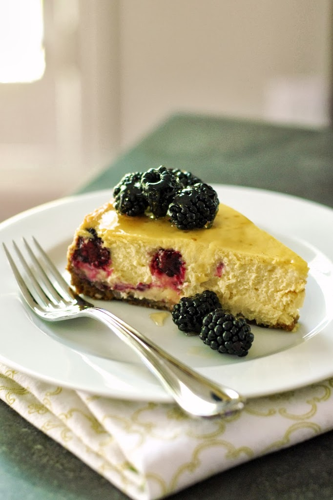 Gluten-Free Honey & Blackberry Cheesecake with Gingersnap Crust | kumquatblog.com @kumquatblog recipe