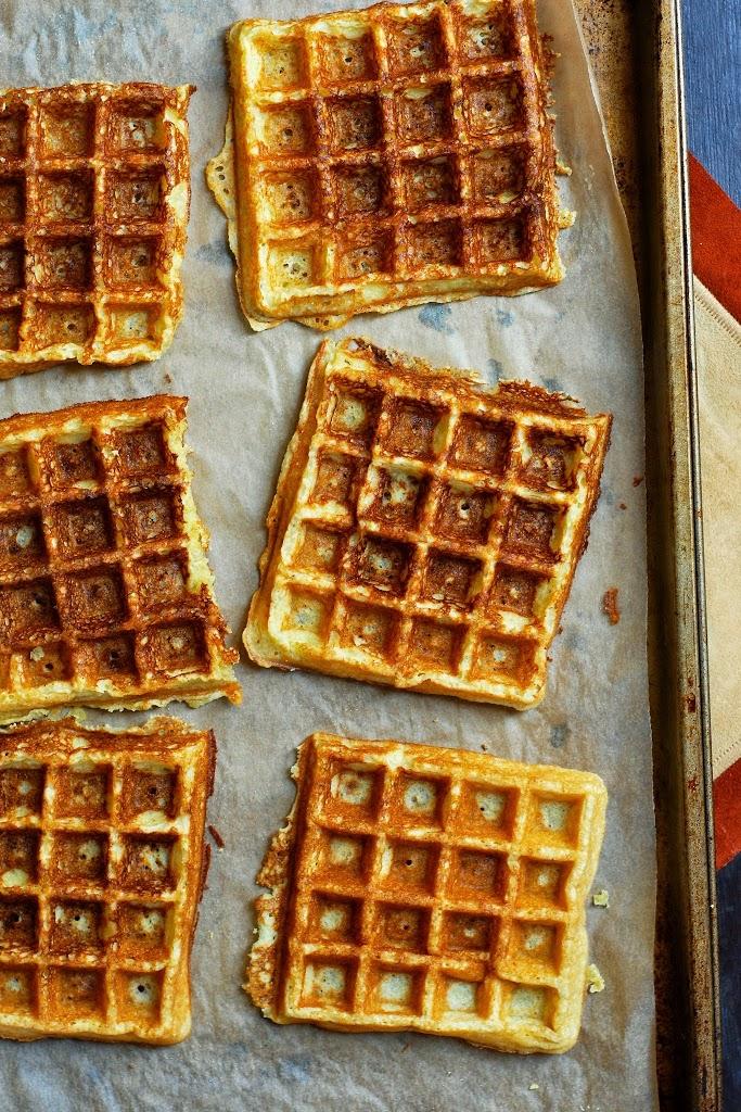 eggs-benedict-herbed-waffles-3
