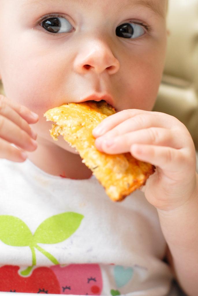 cauliflower cheesy bread | kumquatblog.com @kumquatblog