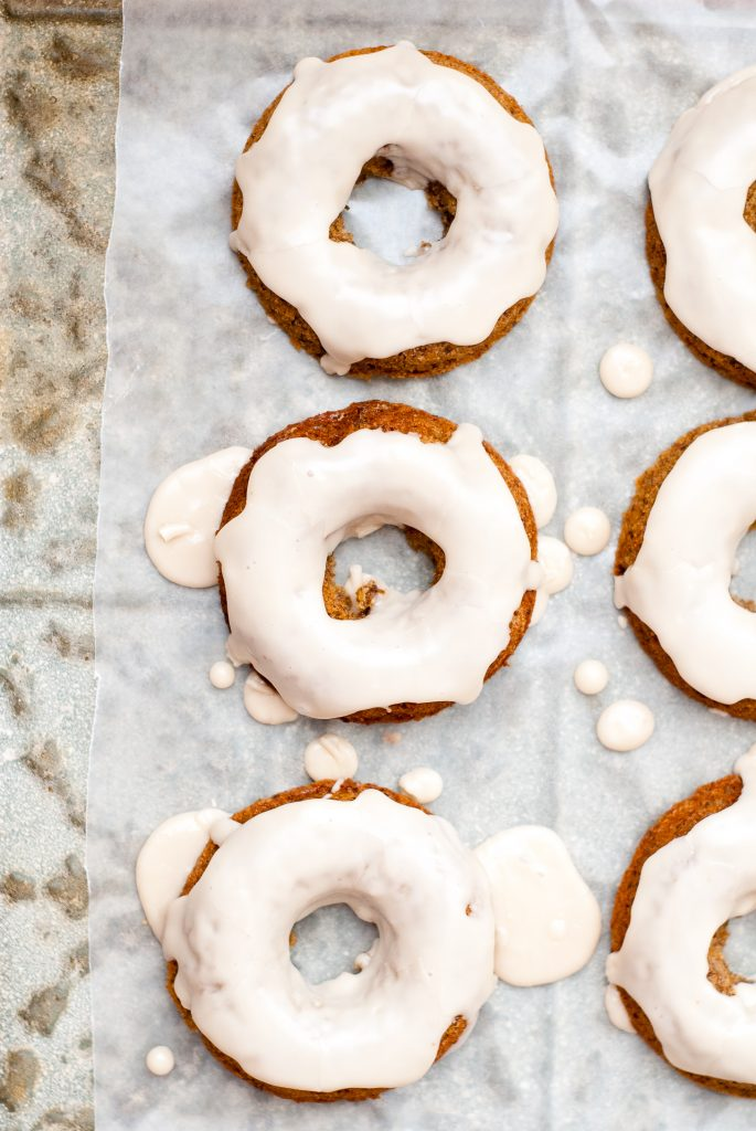 grain-free apple cider-flax donuts with maple glaze | kumquatblog.com @kumquatblog recipe
