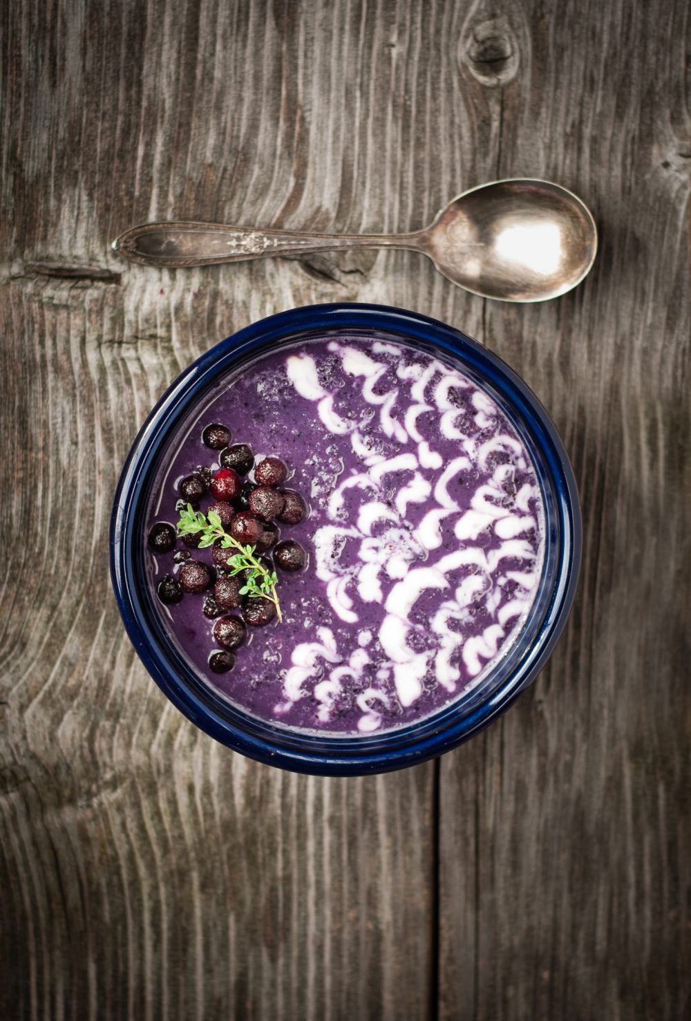wild blueberry earl grey smoothie bowl with fresh lemon-vanilla yogurt | @kumquatblog kumquatblog.com recipe