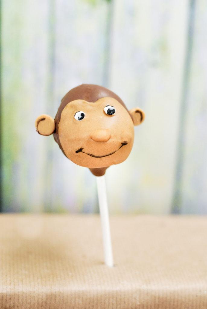 {gluten-free} monkey cake pops | kumquatblog.com @kumquatblog