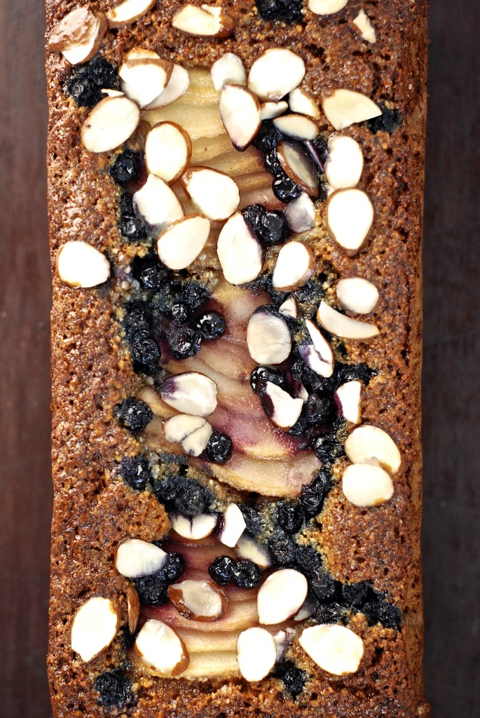 wild blueberry & pear almond bread {grain-free} | kumquat