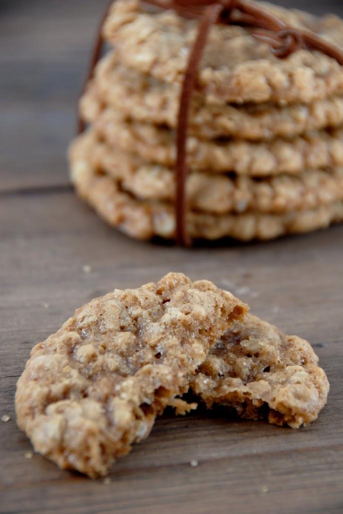 anzac biscuits {gluten-free} | kumquatblog.com @kumquatblog
