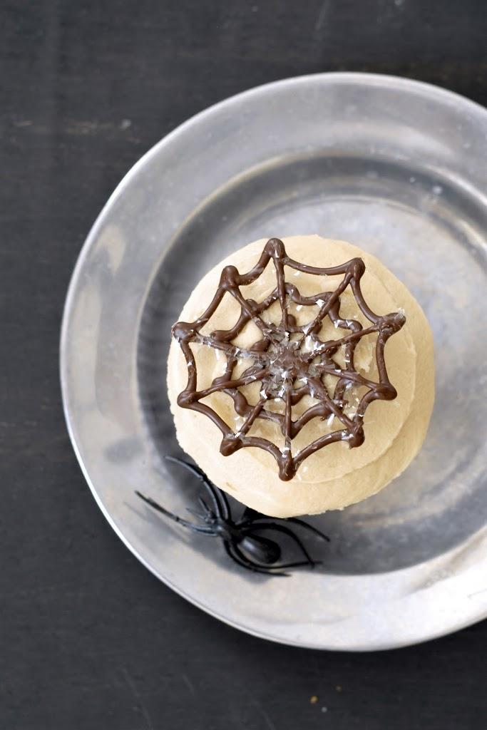 spider-cupcakes-3