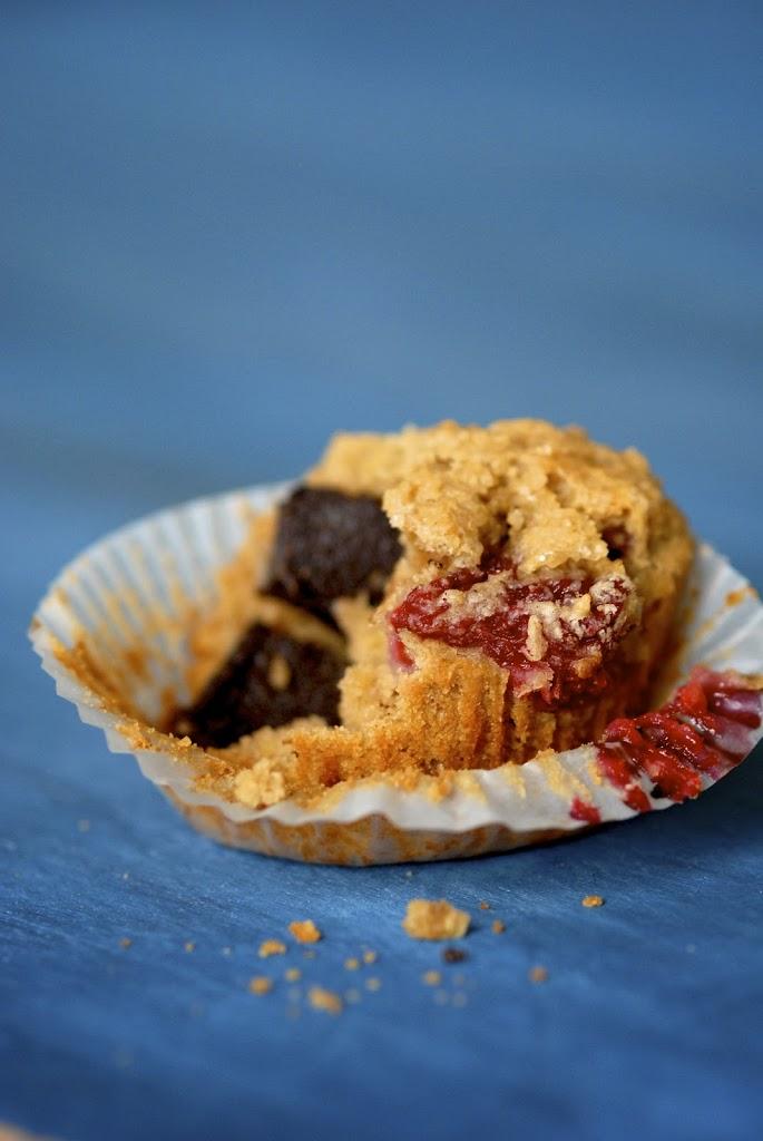 choco-raspberry-oat-muffins-3