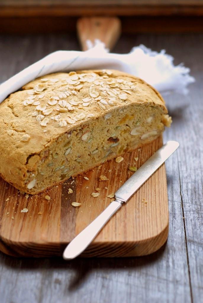 oat-nut-amp-fruit-bread-4