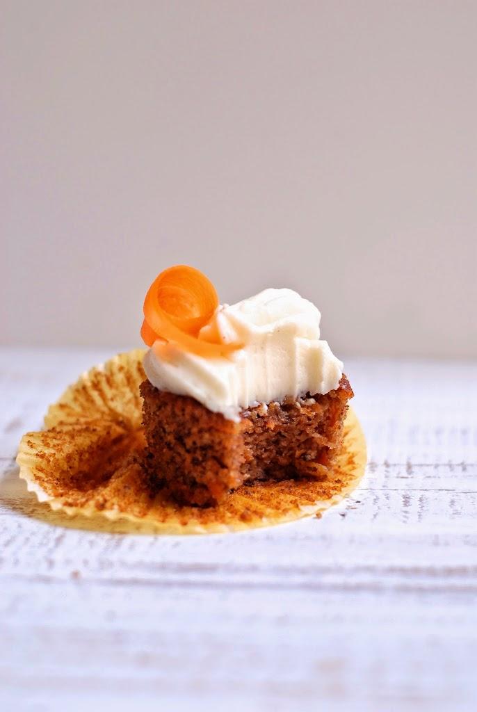 GLuten-free Pecan-Carrot Cake Cupcakes with Vanilla Bean Cream Cheese Frosting | kumquatblog.com @kumquatblog recipe