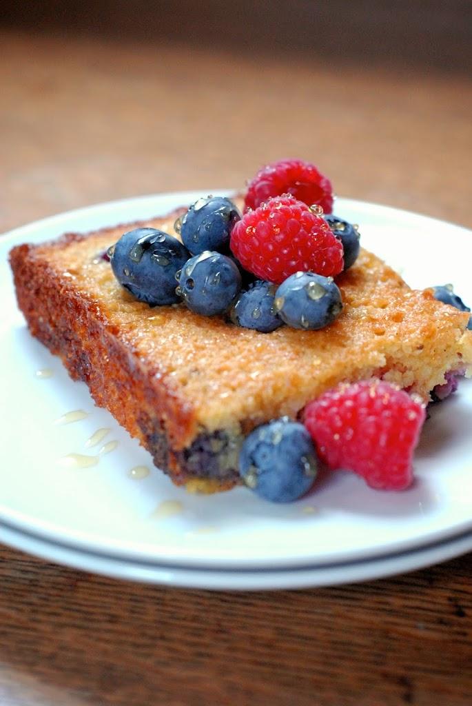 cornmeal-2Balmond-2Bberry-2Bcake-2B2