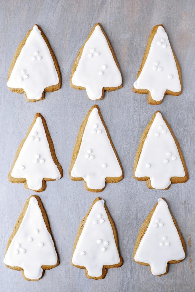 gluten-free iced gingerbread cookies | kumquat