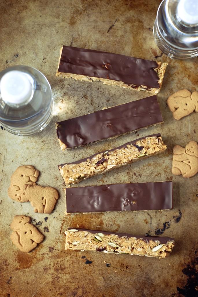 chocolate peanut butter graham crunch snack bars   kumquat