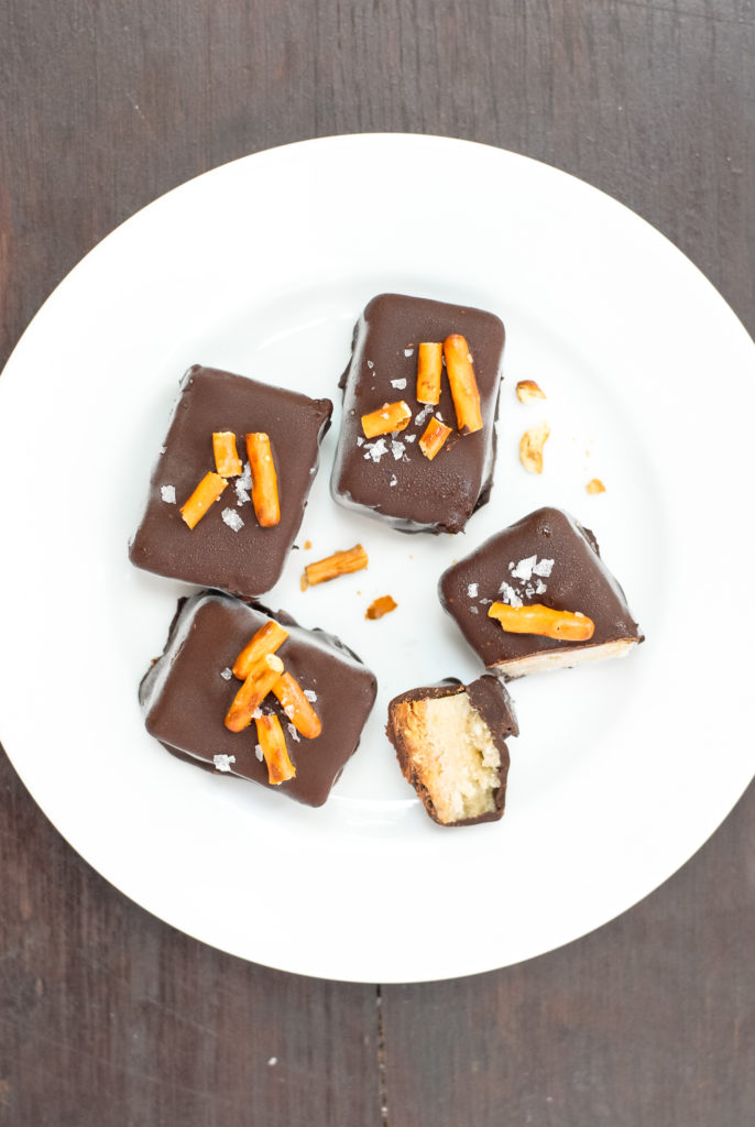 Simple Chocolate Elvis Ice Cream Bars | kumquatblog.com @kumquatblog