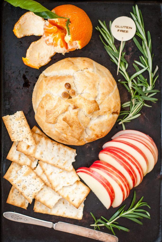 Grain-Free Brie En Croute with Fig Jam and Marcona Almonds | kumquatblog.com @kumquatblog recipe