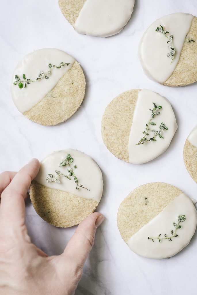 brown sugar olive oil shortbreads with sugared thyme | kumquatblog.com @kumquatblog recipe