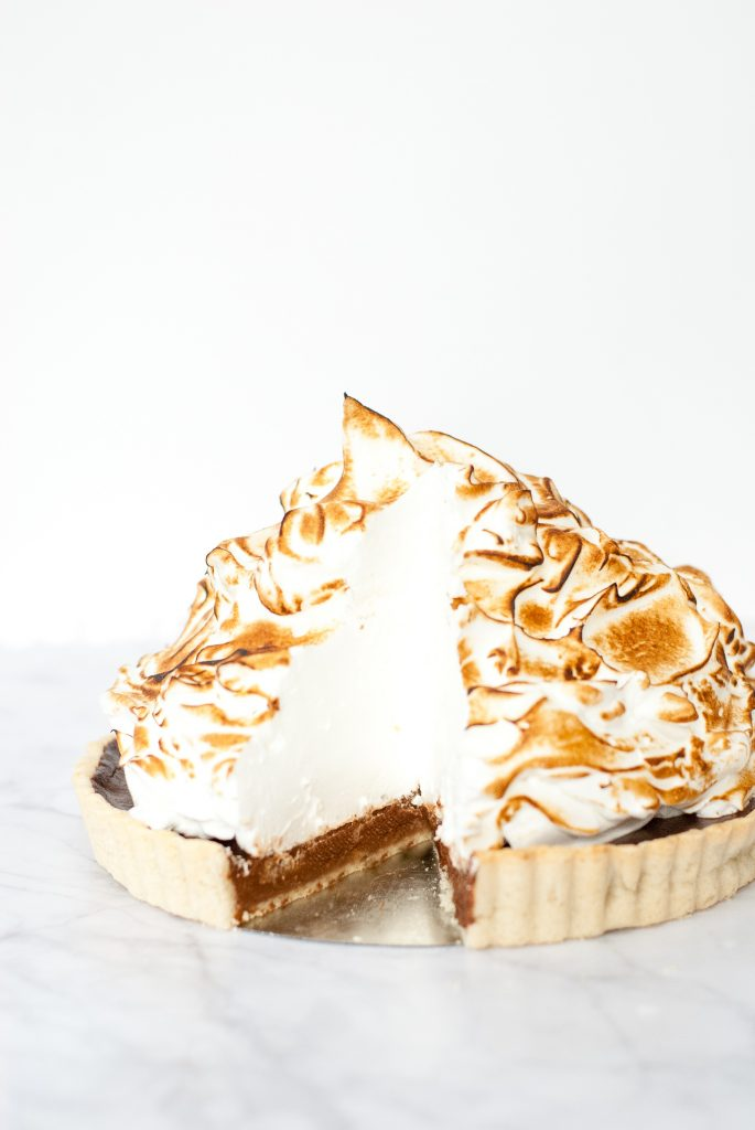 Mile High Grain-Free Chocolate Meringue Pie | kumquatblog.com @kumquatblog recipe