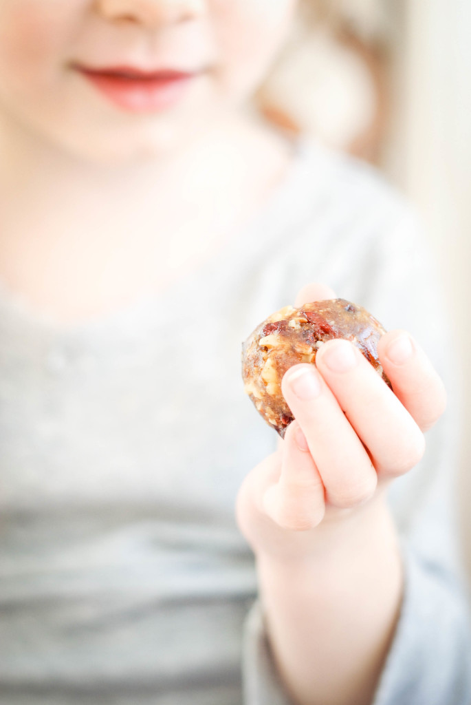 christmas date nut balls | kumquat