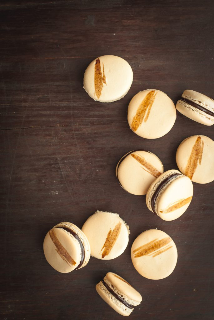 Coffee Macarons with Dark Chocolate Ganache | kumquatblog.com @kumquatblog recipe