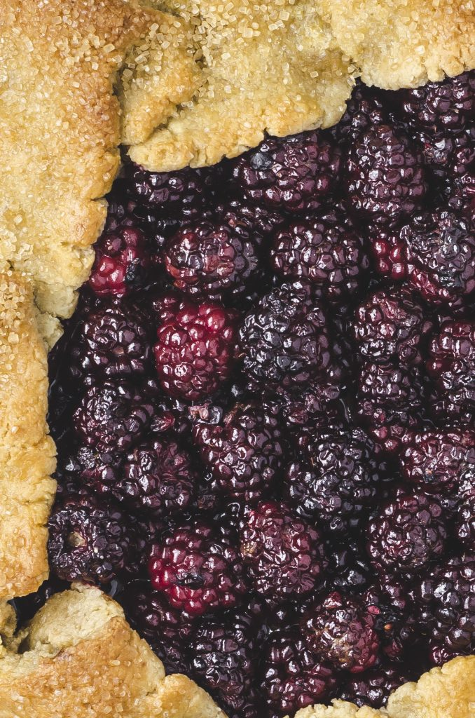 Grain-Free Brown Butter Blackberry Galette | kumquatblog.com recipe @kumquatblog
