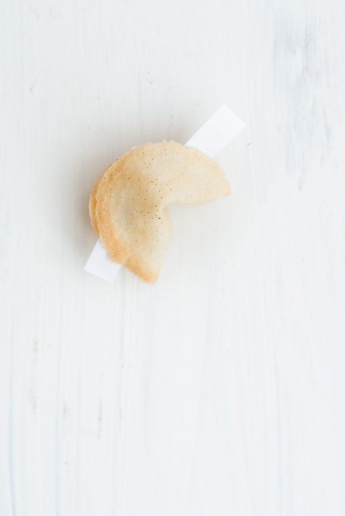 grain-free fortune cookies | kumquatblog.com @ kumquatblog