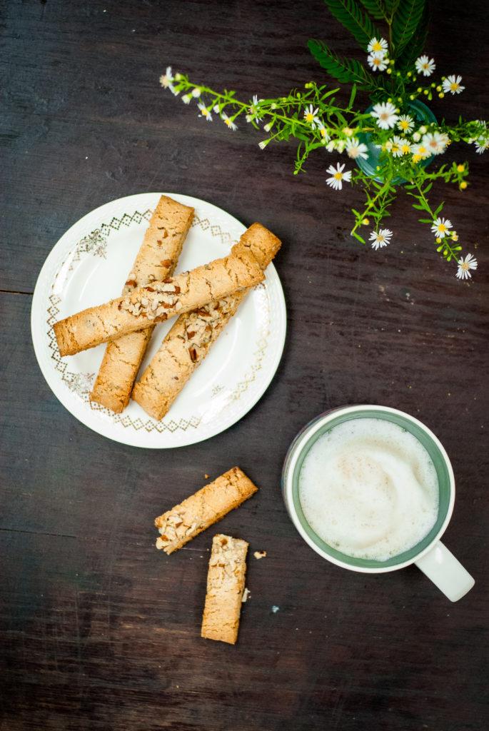 grain-free sweet sage and pecan biscotti | kumquatblog.com @kumquatblog recipe