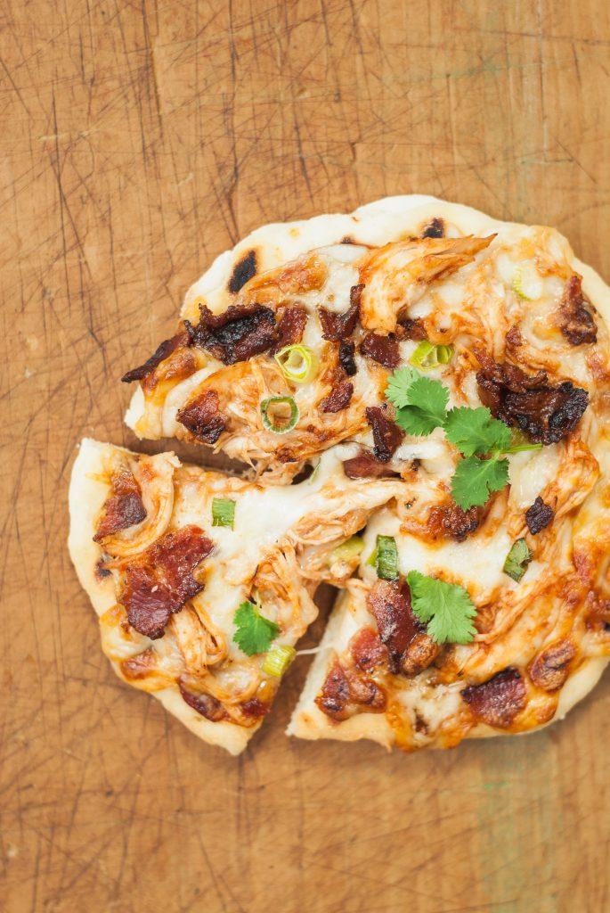 grilled gluten-free barbecue chicken pizzas | kumquatblog.com @kumquatblog recipe