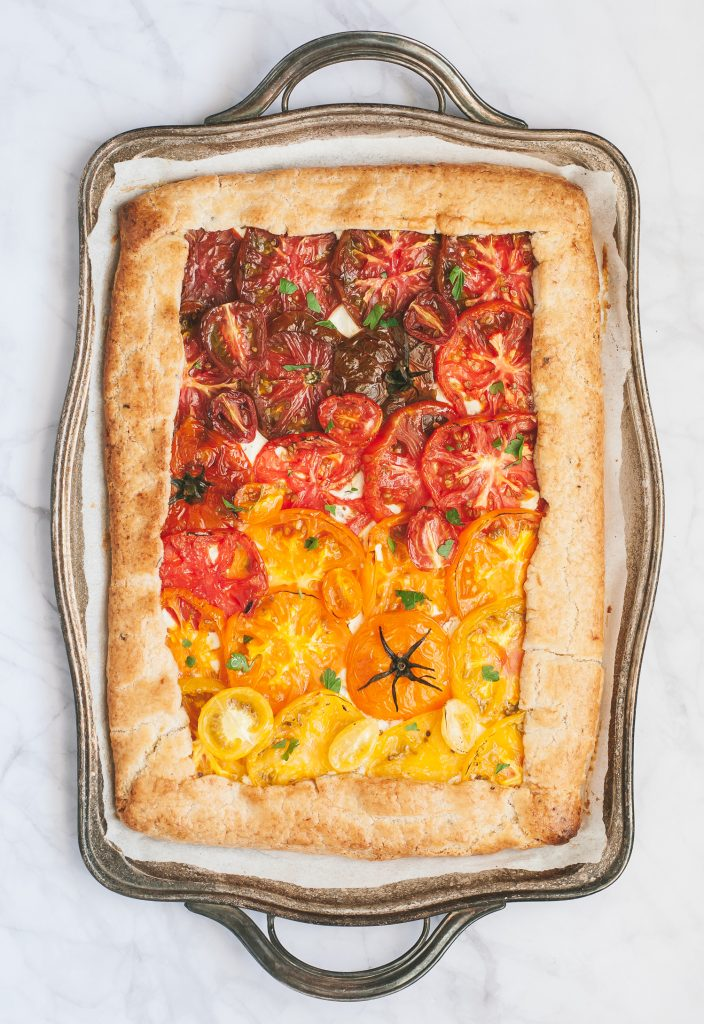Grain-Free Heirloom Tomato Tart with Basil-Lemon Crust | kumquatblog.com @kumquatblog recipe