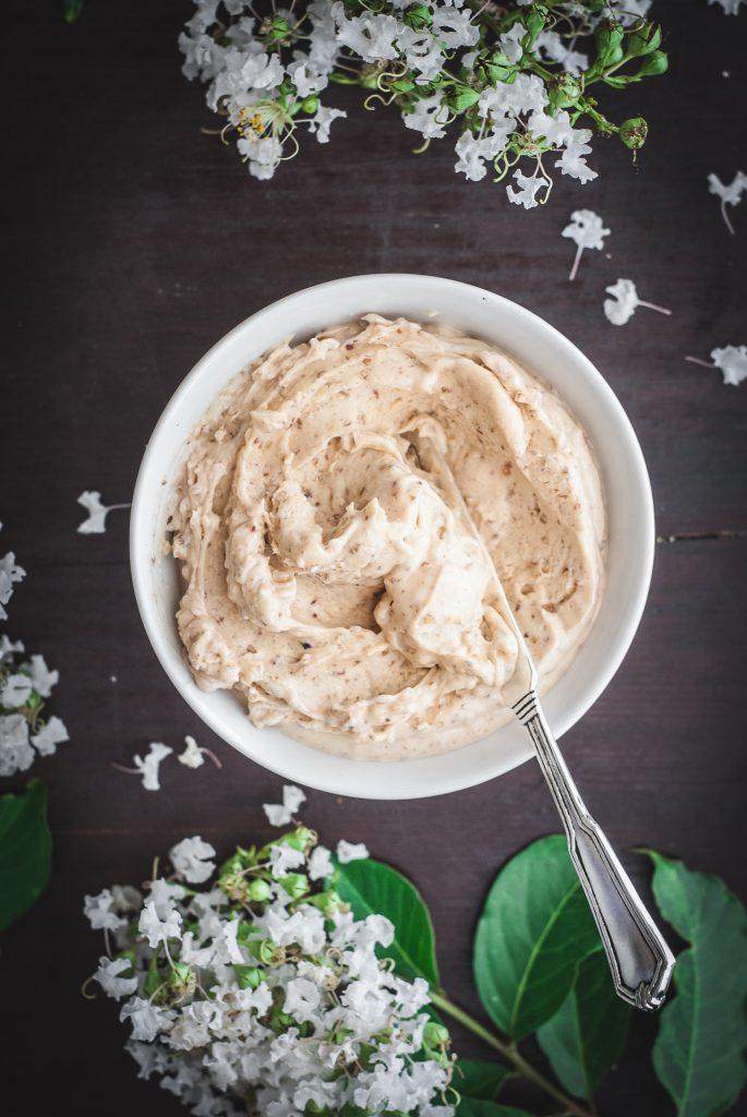 Honey Caramel Pecan Butter with Sea Salt | kumquatblog.com @kumquatblog recipe