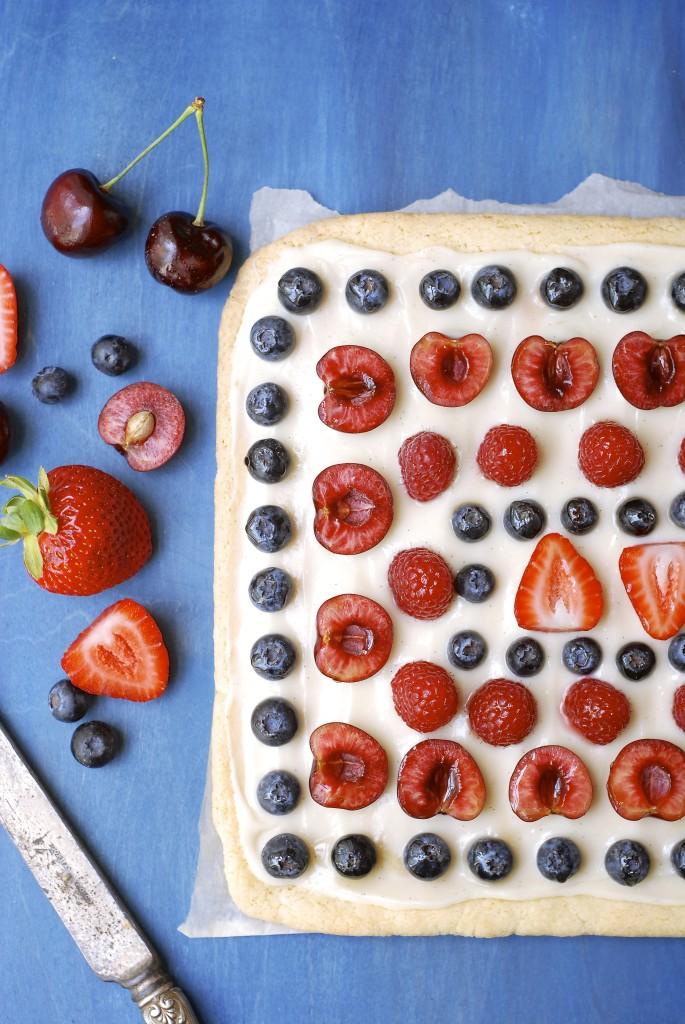 red white & blue cookie pizza | kumquat