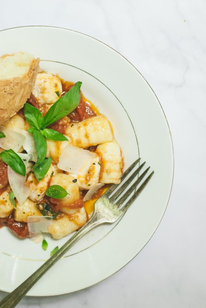 Potato Gnocchi with Fresh Tomato-Garlic Sauce | kumquatblog.com @kumquatblog recipe