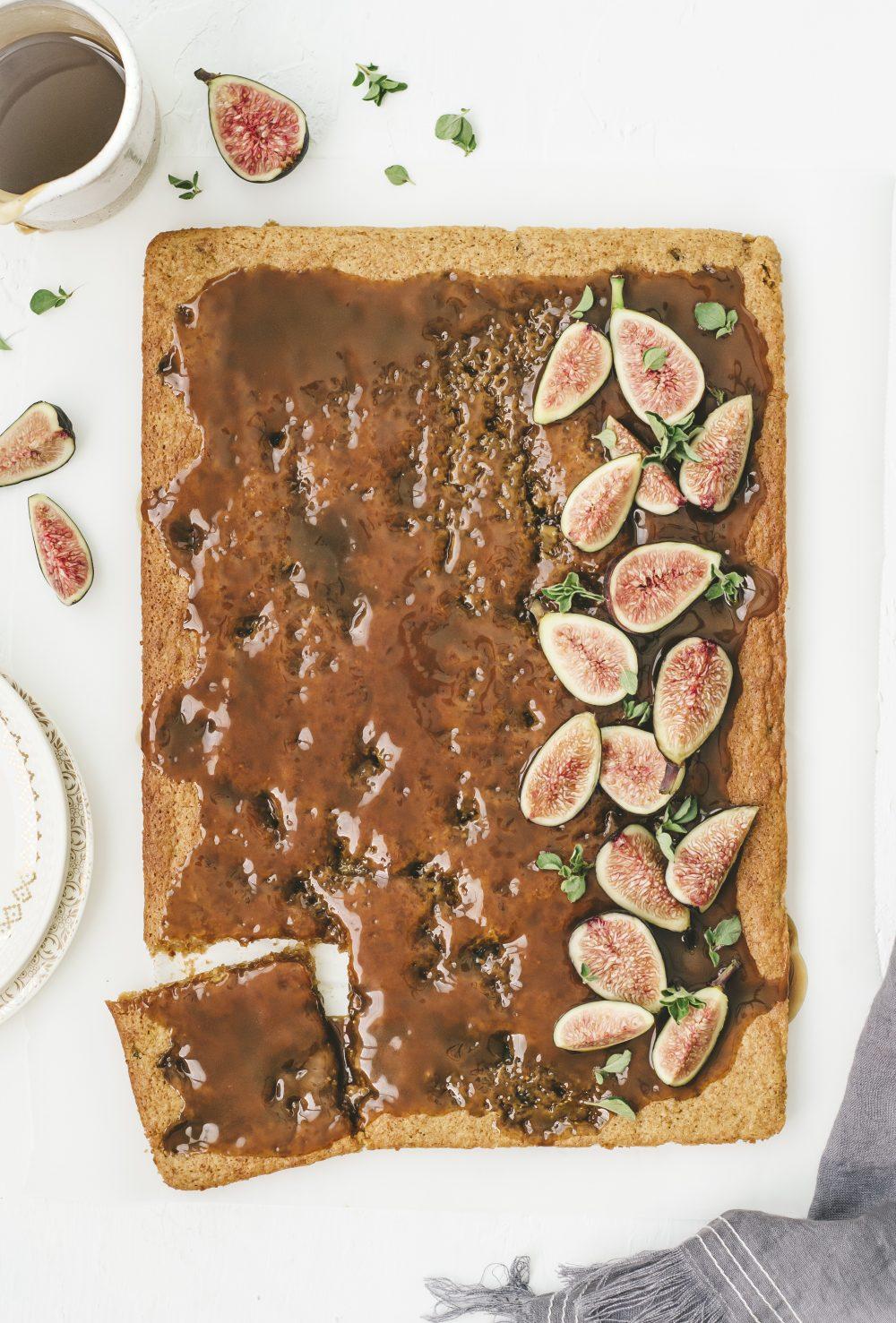 sticky toffee fig pudding | kumquatblog.com @kumquatblog