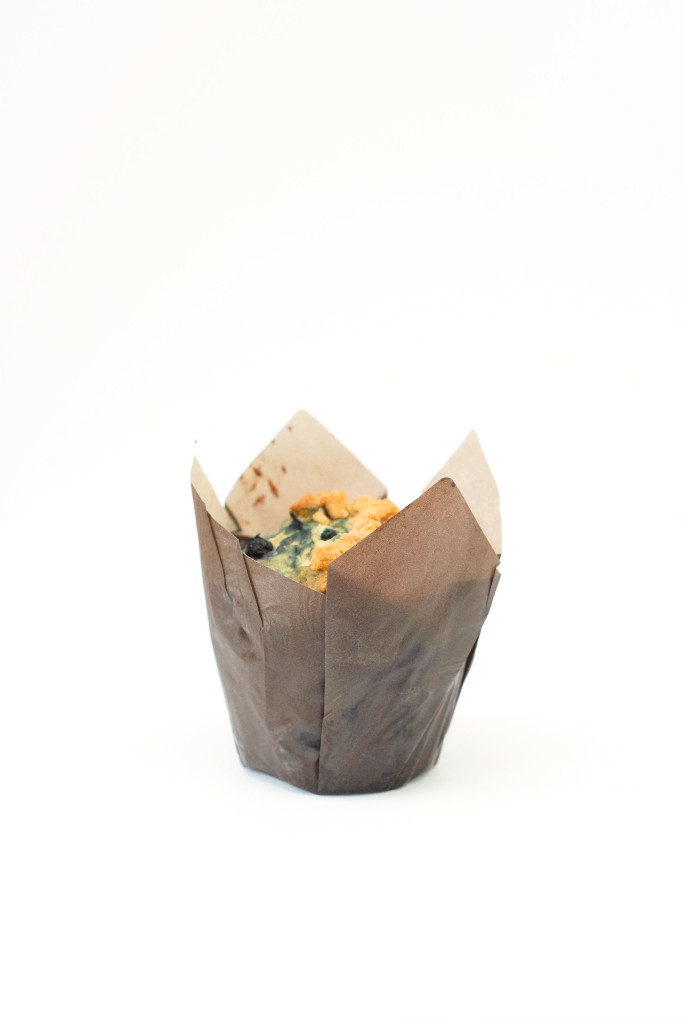 gluten-free wild blueberry streusel muffins | kumquat